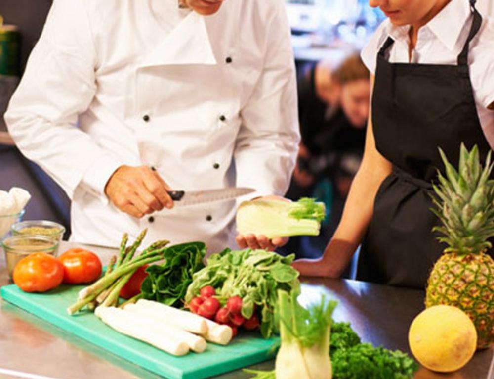 Opzione 12 – Cooking class con lo chef stellato